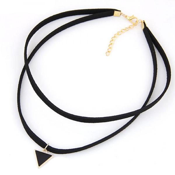 Black choker - dvojna črna ogrlica s trikotnim obeskom